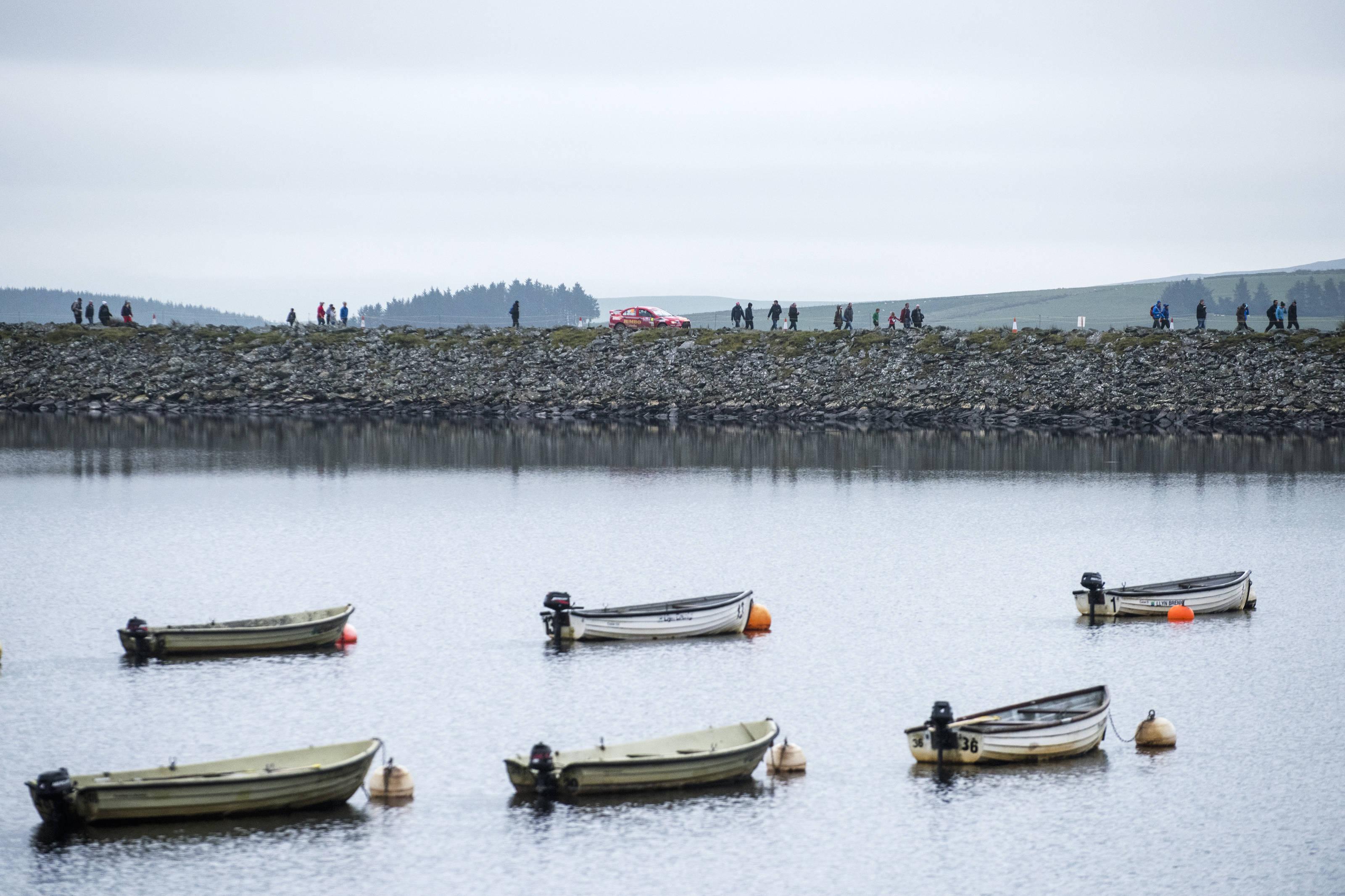 Οι βάρκες και ο Andreas Mikkelsen